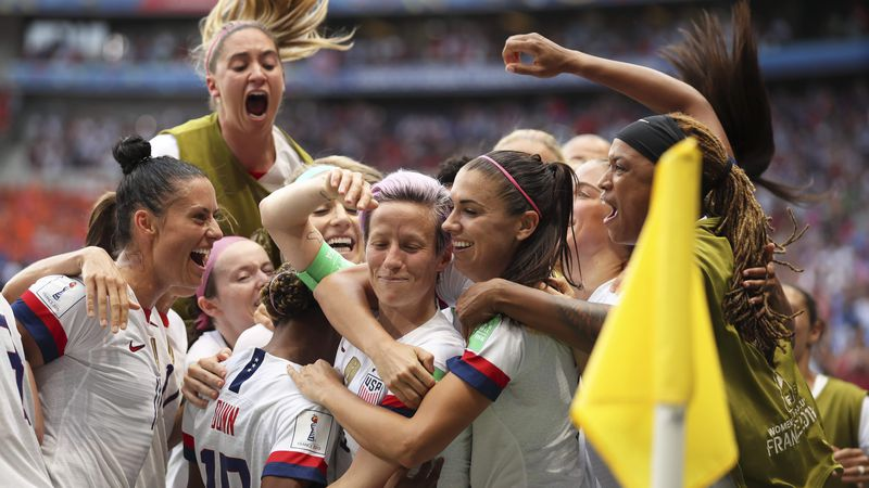 PolitiFact: Does the U.S. women's soccer team bring in more revenue but get paid less than the men?