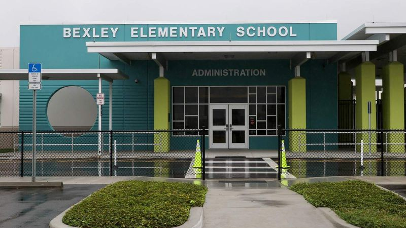 Two Pasco principals headed to new posts
