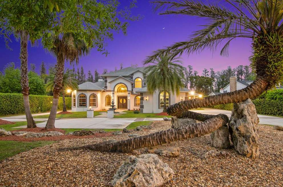 This home in Land O'Lakes sold in April 2018 for $1.2 million. [Courtesy of Vincent Barone/HDShowings]