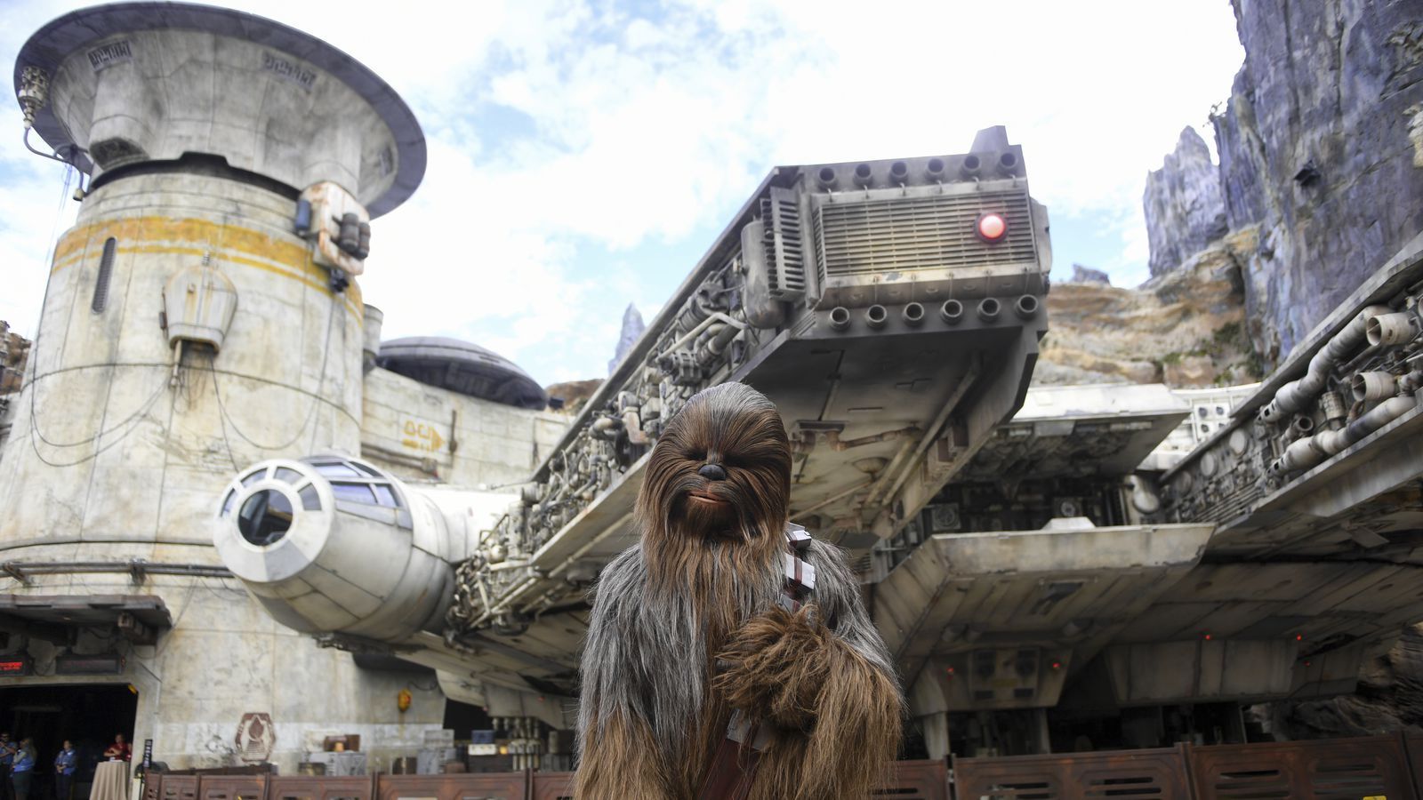 Disney S Star Wars Land Opened As Dorian Approached Keeping Attendance Light Locals Loved It