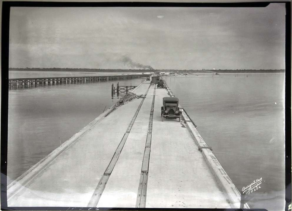 Gandy Bridge under construction over Old Tampa Bay in 1923. [courtesy of Tampa-Hillsborough County Public Library System]