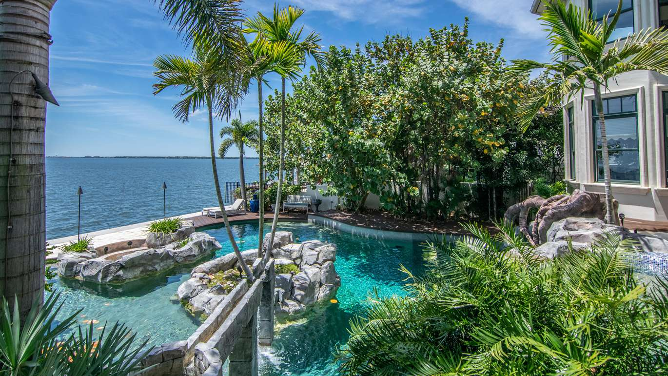 The pool overlooking Tampa Bay (Courtesy of Judson Brady/Photo Studio Solutions)