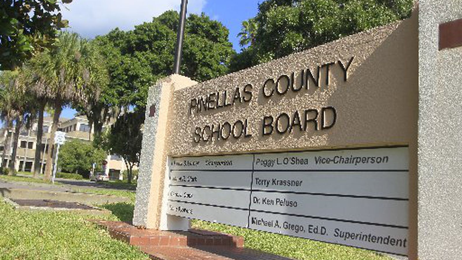 Pinellas County School Board Approves 1 5 Billion Budget Lower Tax Rate
