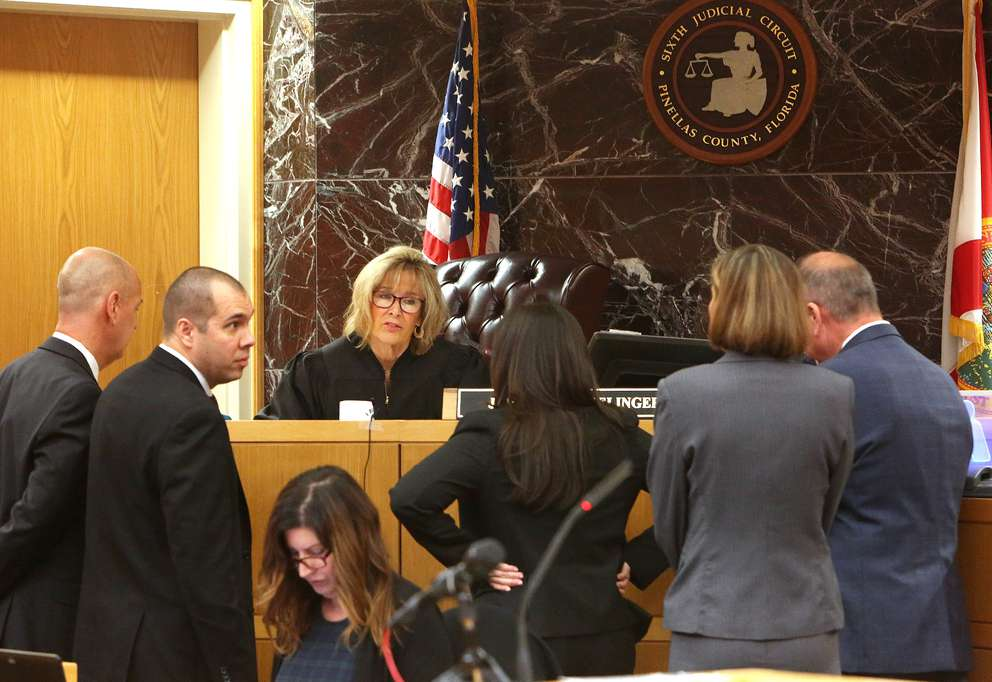 Attorneys in the John Jonchuck murder trial have a bench conference with Pinellas-Pasco Circuit Court Judge Chris Helinger. SCOTT KEELER | Times