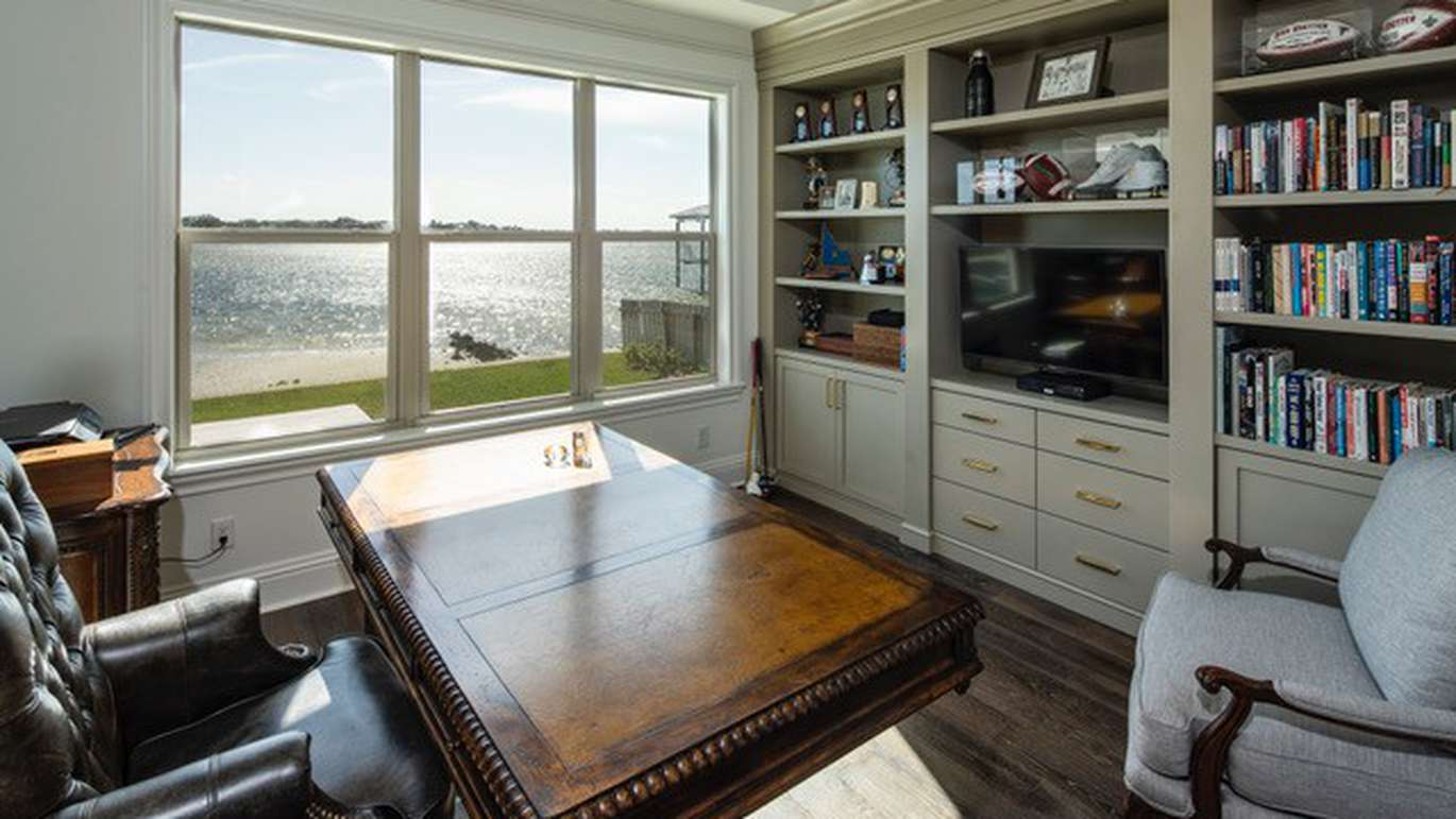 A room with a view of the bay (Courtesy of Mike Payne)