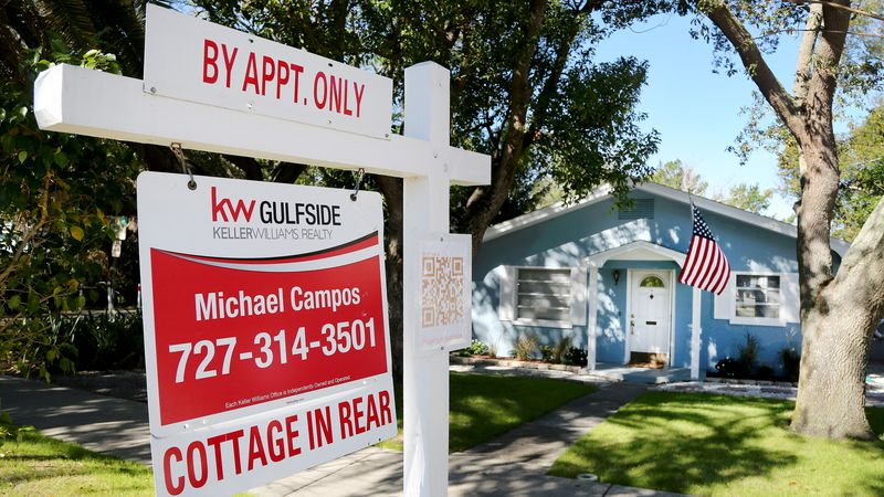 Florida homebuyers struggle to compete. Can a real estate startup help?