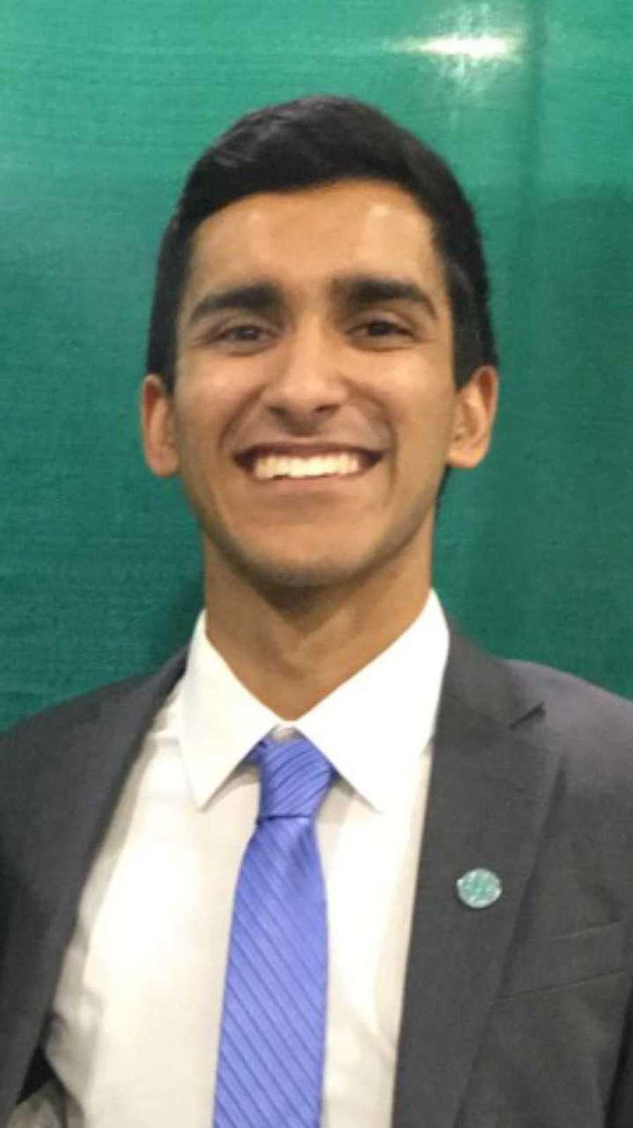 Arshad Shams Mandani is a 2018 co-valedictorian in the International Baccalaureate program at Palm Harbor University High School.