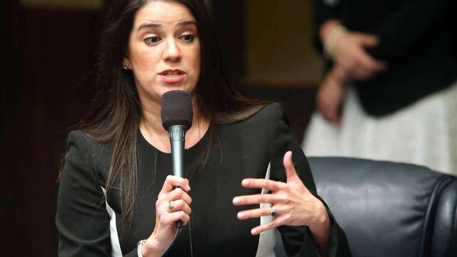 Senate committee backs more regulation of plastic surgery