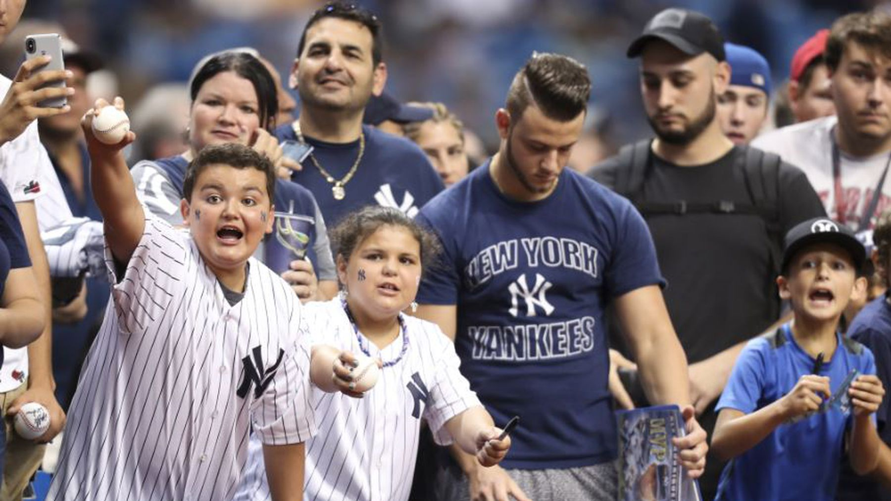 who s the home team for the rays yankees weekend showdown at the trop rays yankees weekend showdown