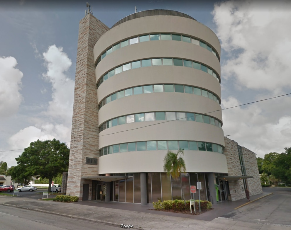The curved building is located at 2600 Dr Martin Luther King Jr St. near downtown St. Petersburg. [Screenshot, Google maps]