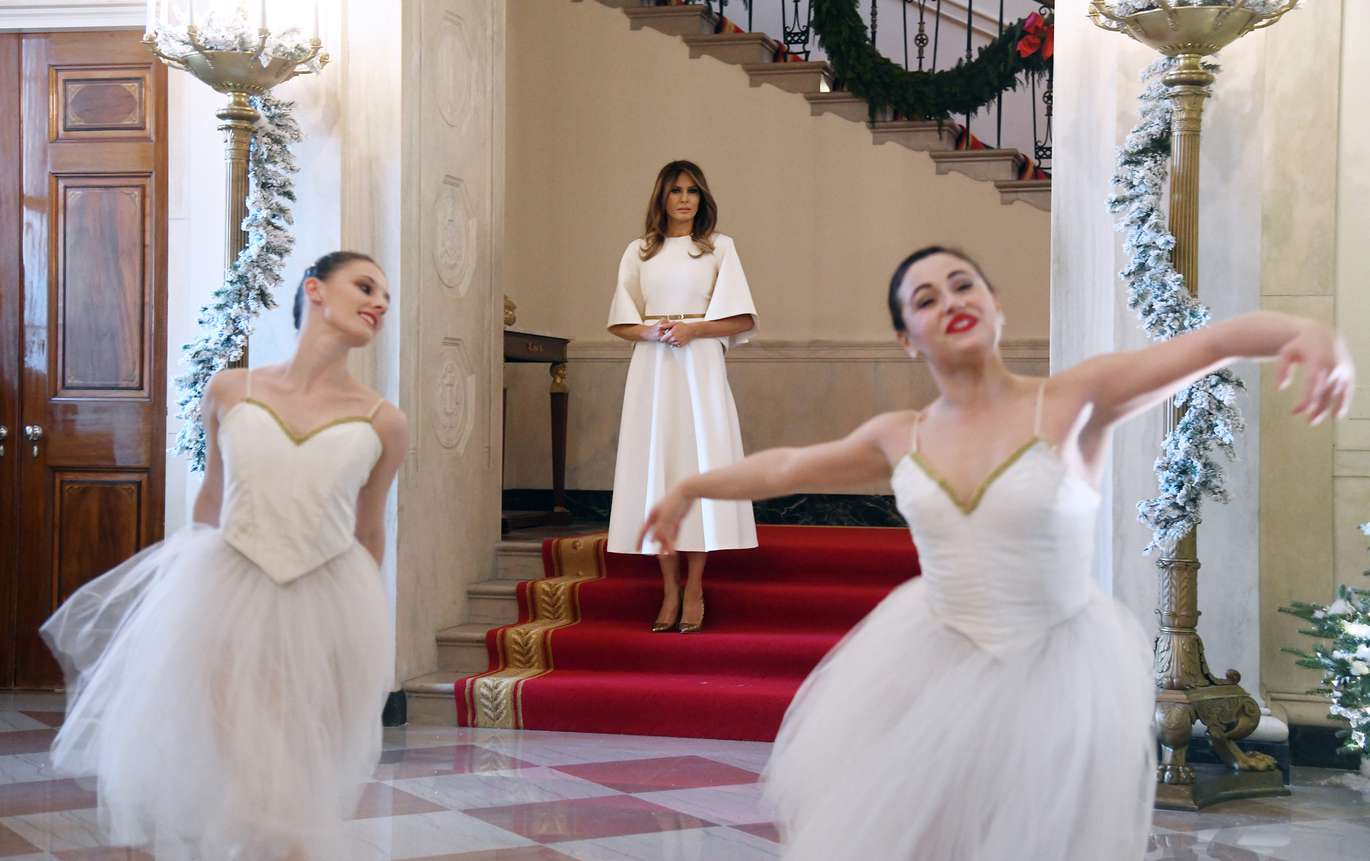 All Eyes gallery: Dancing ballerinas help kick off Christmas at ...