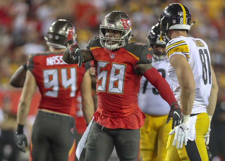 5fd871c8c7e69 Bucs linebacker Kwon Alexander (58) celebrates a stop on Pittsburgh  Steelers running back James Conner (30)] during the first quarter.