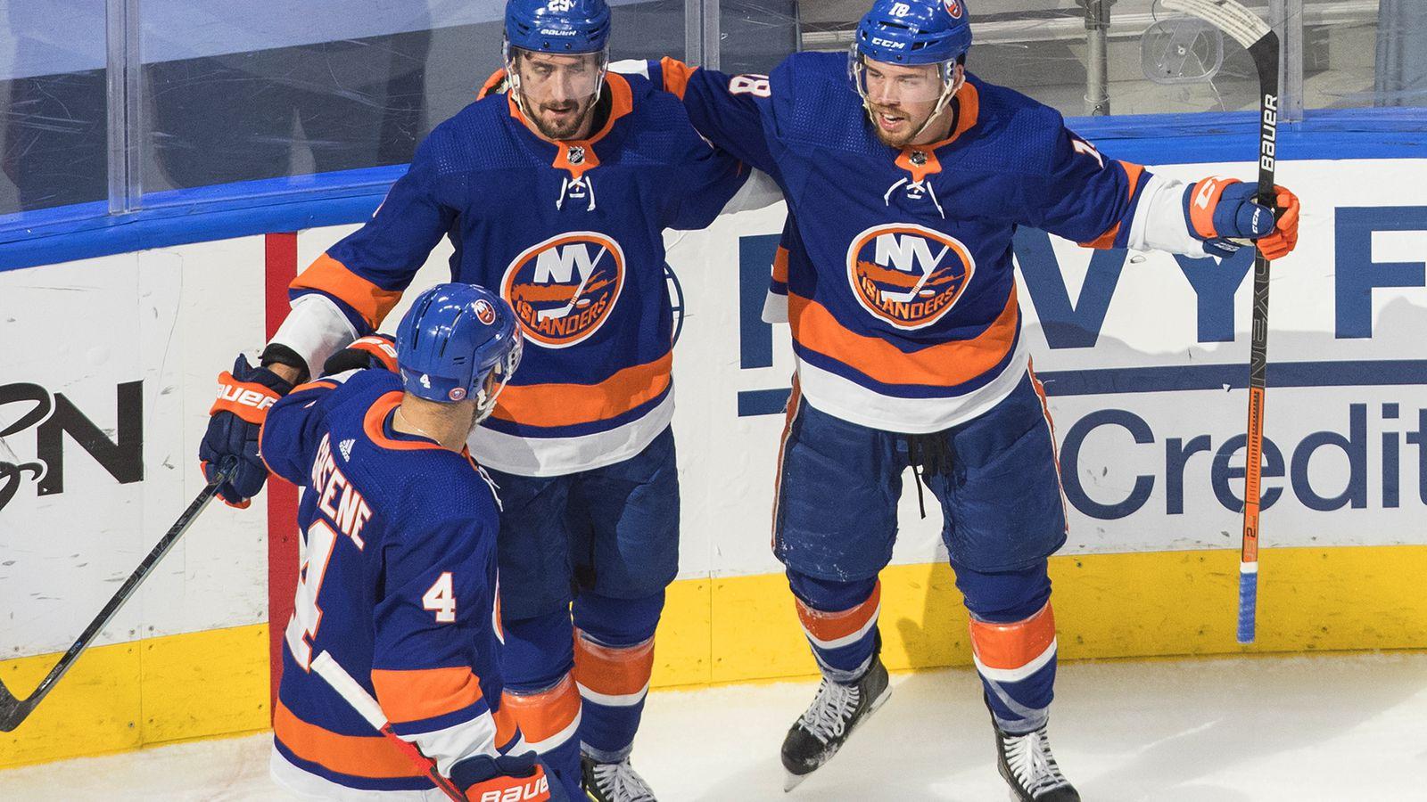 Brock Nelson, Semyon Varlamov find redemption in Islanders' 5-3 win