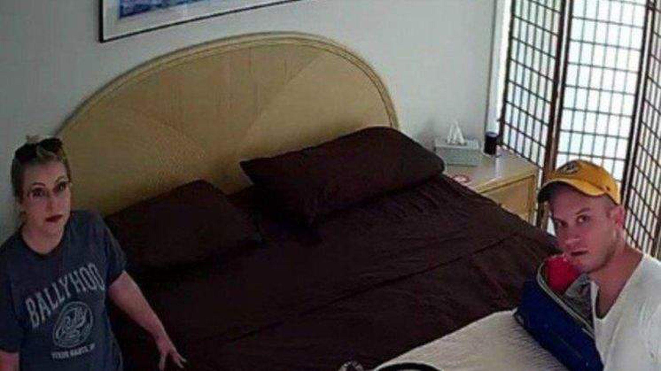 Airbnb Renters Find Hidden Camera In Bedroom Of Longboat Key Condo