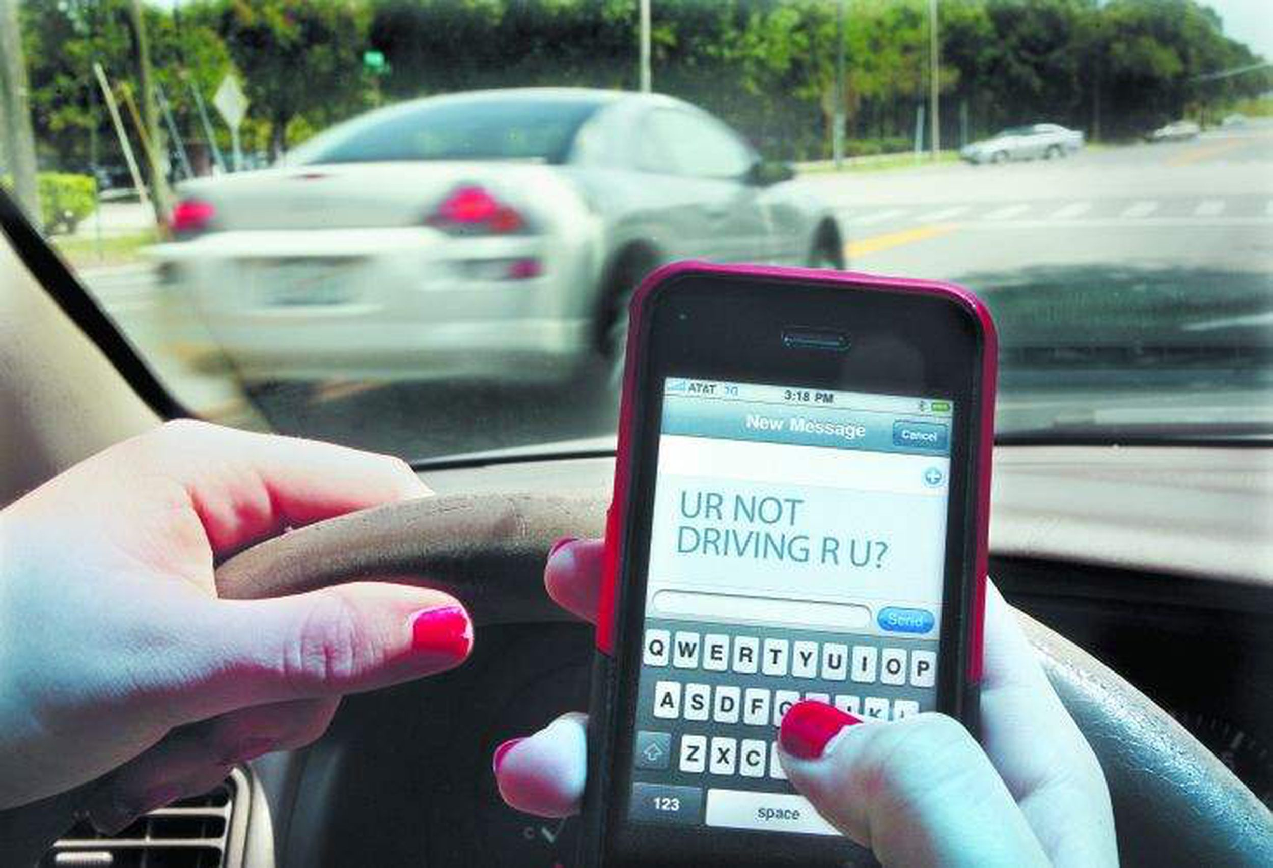 Texting While Driving >> Editorial Make Texting While Driving A Primary Offense