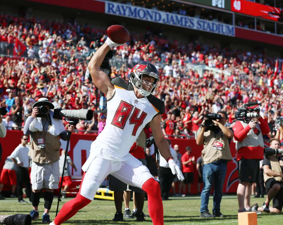 Bucs tight end Cameron Brate (84) celebrates scoring a touchdown against the San Francisco 49ers during the first quarter. [MONICA HERNDON | Times ]