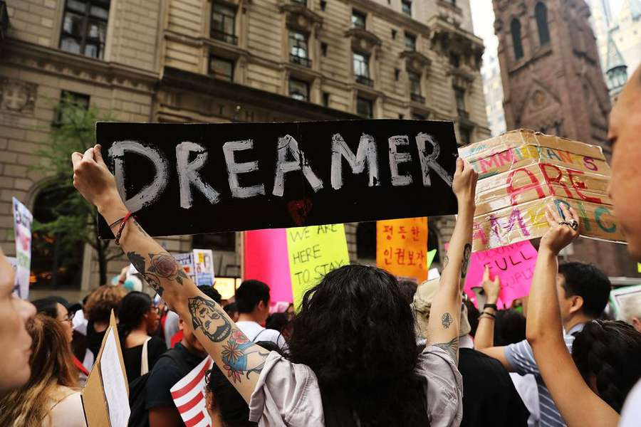 DHS Won't Extend Oct. 5 Deadline For DACA Status Renewal