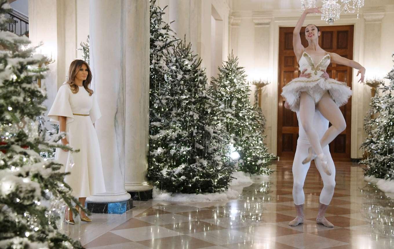 All eyes gallery dancing ballerinas help kick off for Ballerina tree decoration