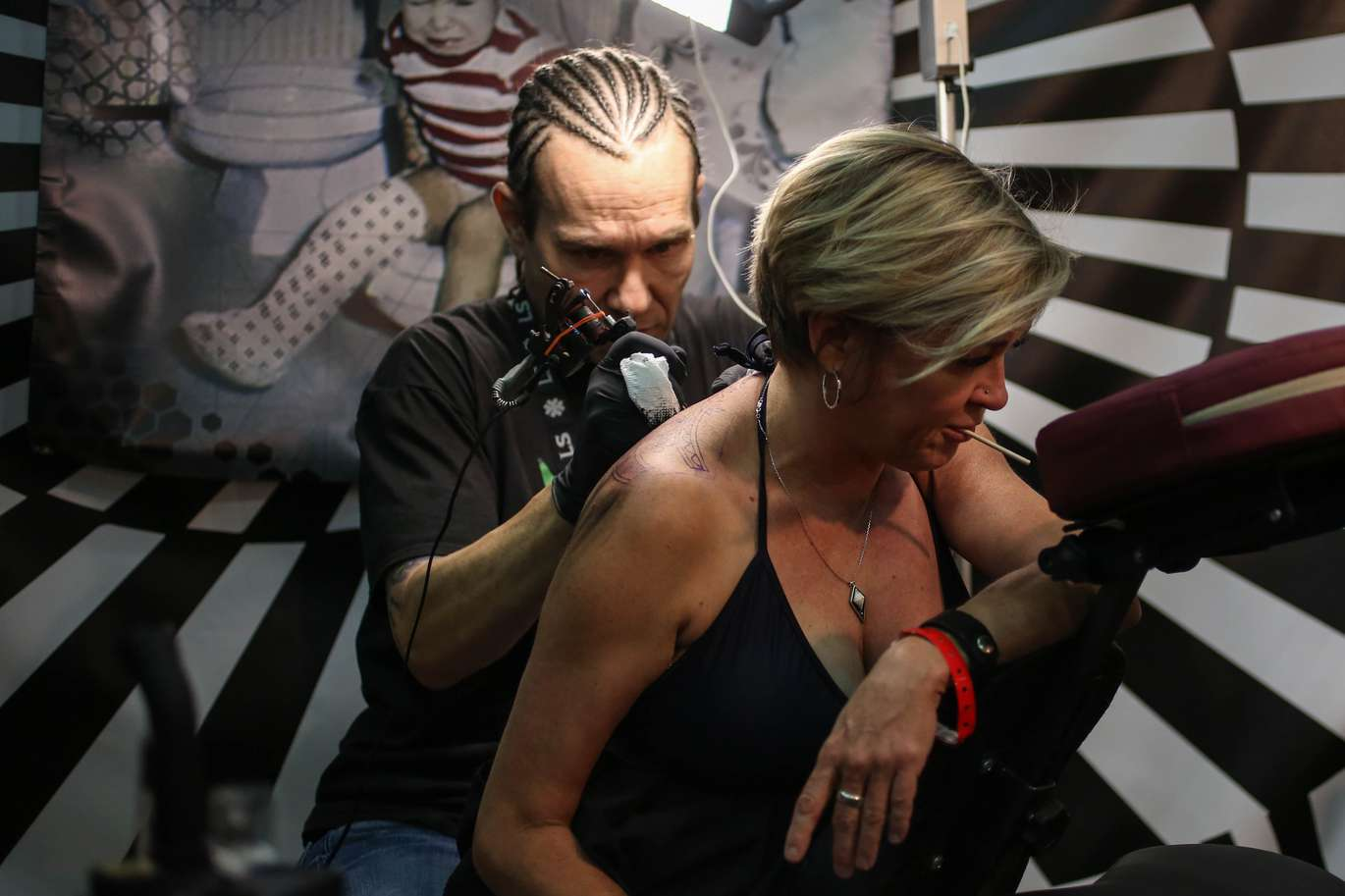 Art on Your Sleeve: Scenes from the Ink Mania Expo tattoo convention ...