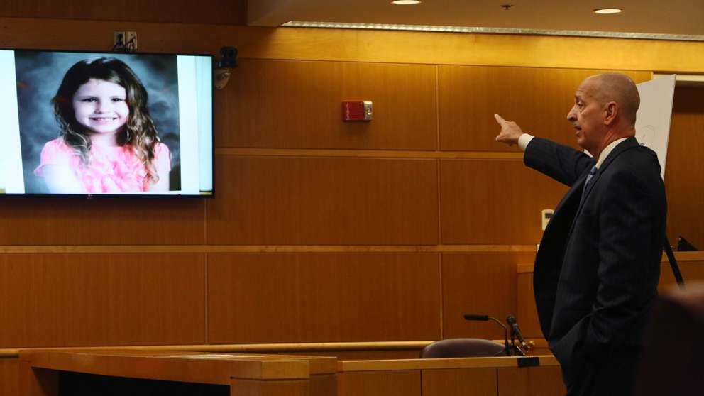 Prosecutor Doug Ellis points to a photograph of Phoebe Jonchuck during closing arguments. SCOTT KEELER | Times