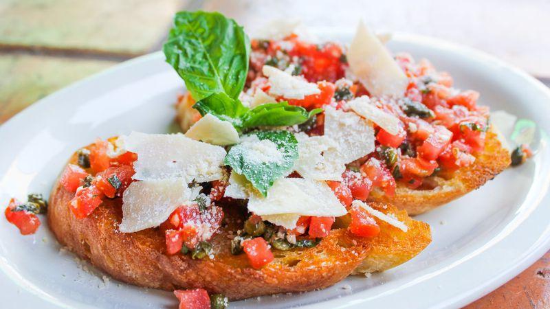 St. Petersburg's Nueva Cantina launches virtual Italian restaurant Louie's