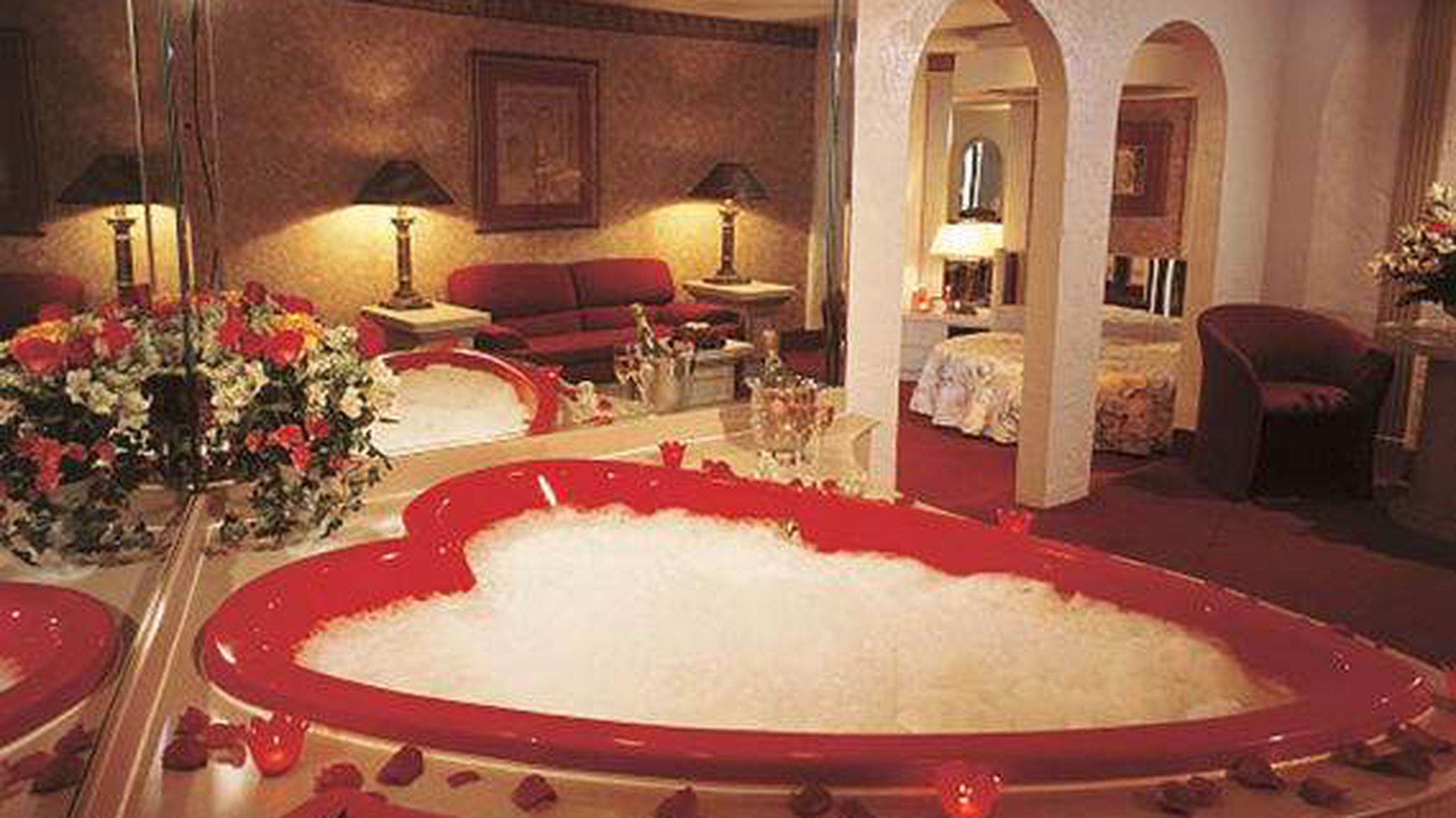 Morris Wilkins The Man Behind The Heart Shaped Tubs That Lured Lovers To The Poconos Dies At Age 90