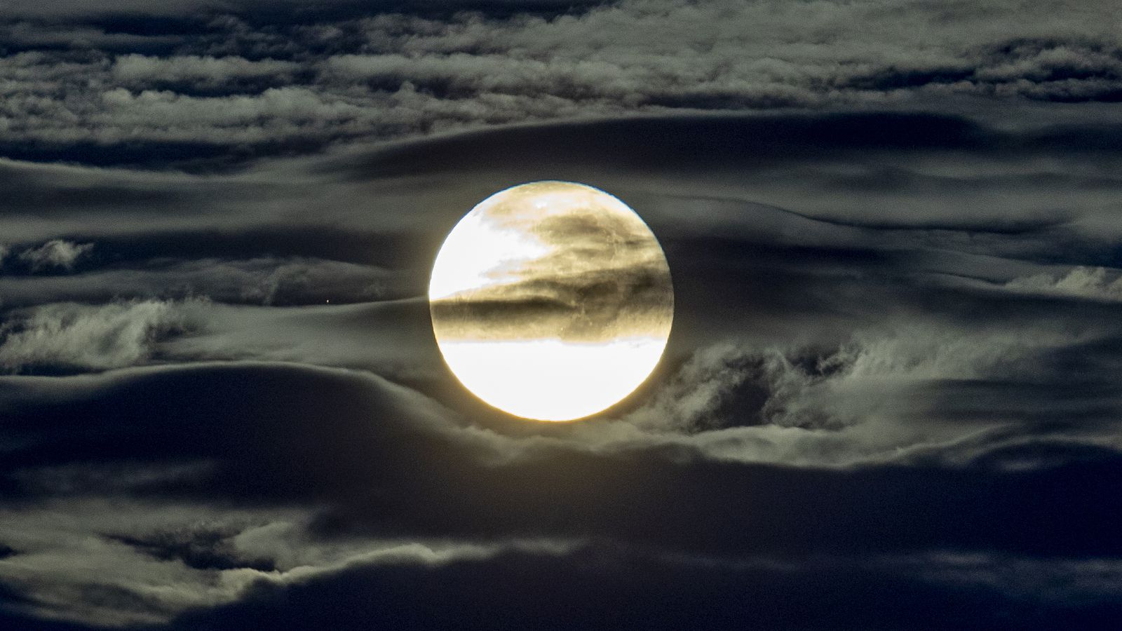 A blue moon on Halloween? Spooky but true