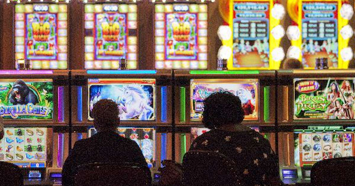 Australia's Crown casino fined for 'blanking' slot machines