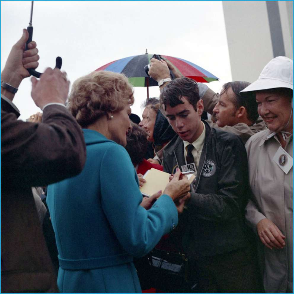 First Lady Pat Nixon signs John Bisney's autograph book at the Apollo 12 launch. (Photo courtesy John Bisney)
