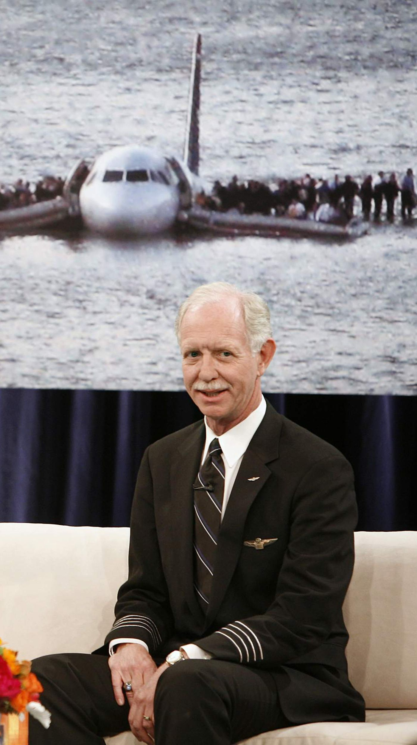 Sully Sullenberger We Saved 155 Lives In The Miracle On The Hudson Now Let S Vote For Leaders Who Ll Protect Us All