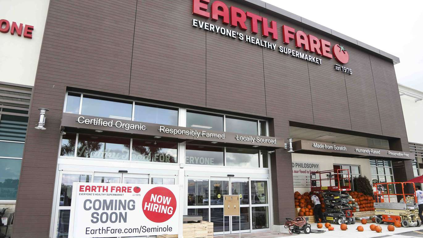 The new Earth Fare grocery store in Seminole on Monday, September 26, 2016. The new grocery store is set to open on Wednesday, September 28 in Seminole City Center. [EVE EDELHEIT | Times]