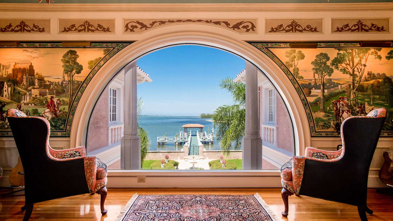 This waterfront home in Dunedin once was owned by cereal magnate W.K. Kellogg.