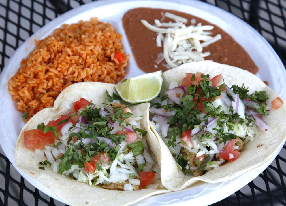 The soft flour taco plate at Taco Son in St. Petersburg. [Lara Cerri | Times]
