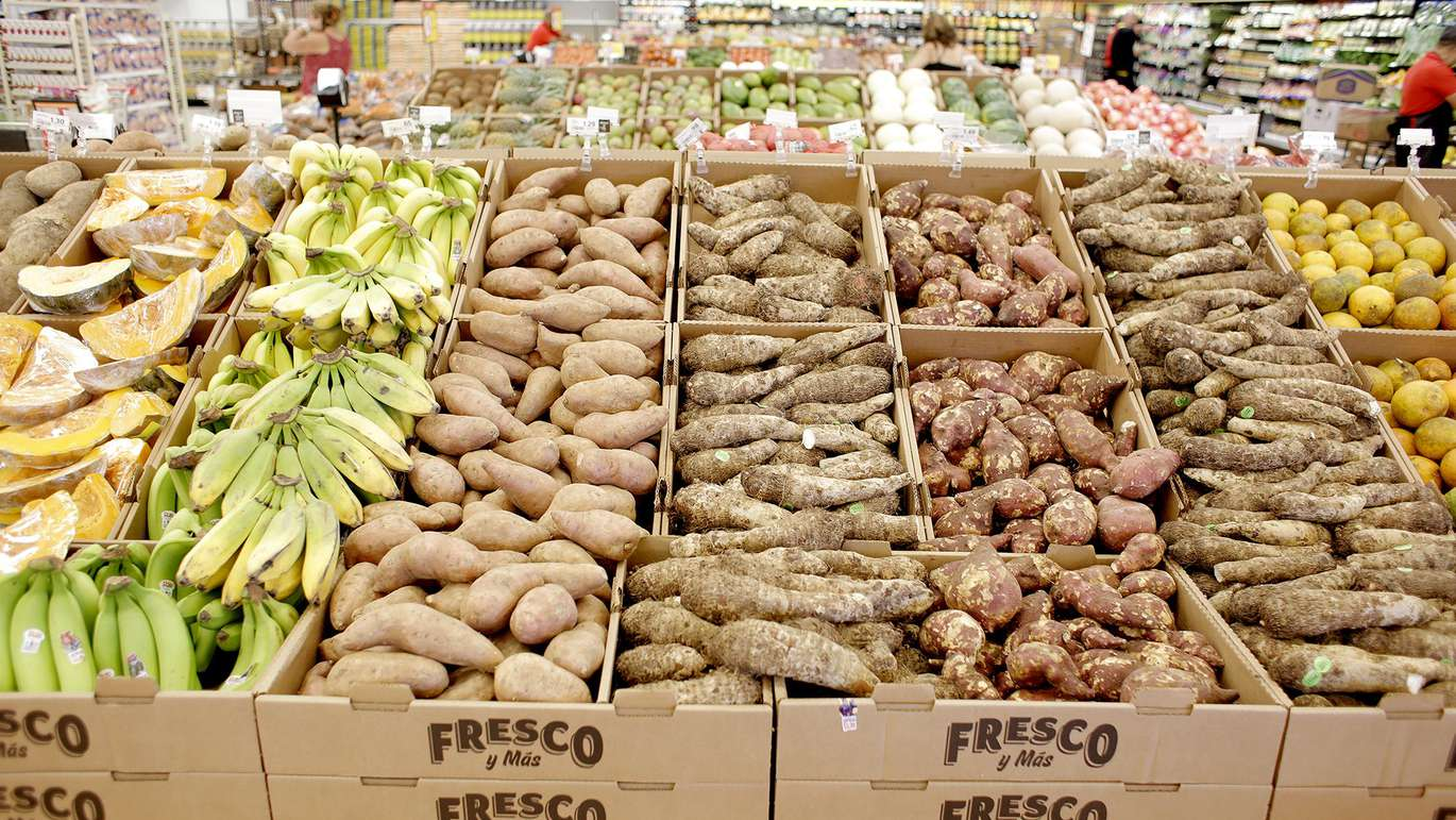 An assortment of produce that are often bought from the latino community are available at Fresco Y Mas at their new Tampa location on Sheldon Road in Tampa on Thursday, April 5, 2018. The parent company of Winn-Dixie Southeastern Grocers is opening the first Fresco Y Mas stores outside of South Florida in Tampa and Orlando. [OCTAVIO JONES | Times]