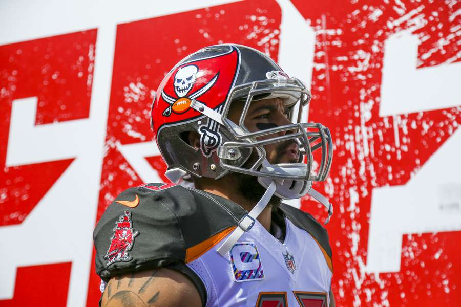 Football Outsiders 2018 NFL projections  Here s how many games the Bucs  will win 7a77c361620