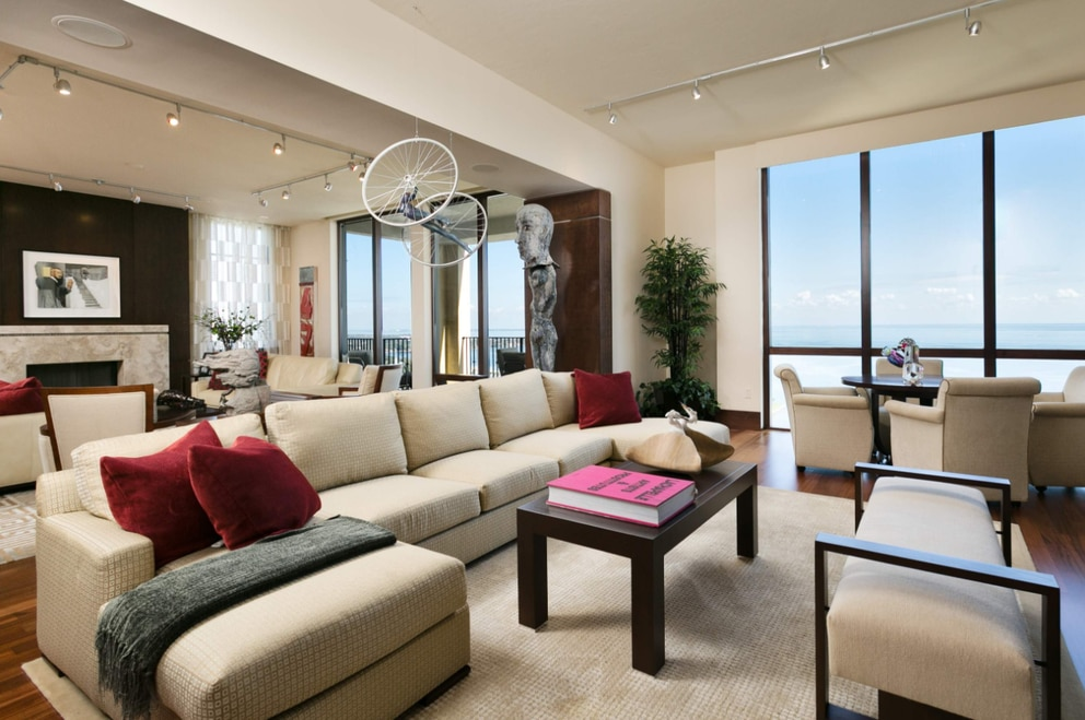This penthouse in Parkshore Plaza on Beach Drive in downtown St. Petersburg sold for almost $3.725 million. [Courtesy of Amy Lamb/Native House Photography]