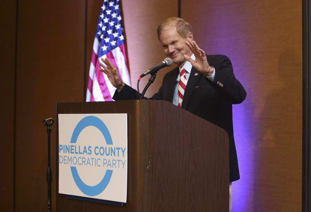 Senator Bill Nelson waves his thanks to guests welcoming him to speak at the Pinellas County Democratic Party's Wave to Victory Gala on Saturday, Sept. 22, 2018 in St. Petersburg. MARTHA ASENCIO RHINE | Times