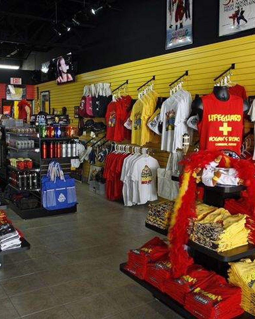 Hulk Hogan opens a Hulk Hogan shop on Clearwater Beach