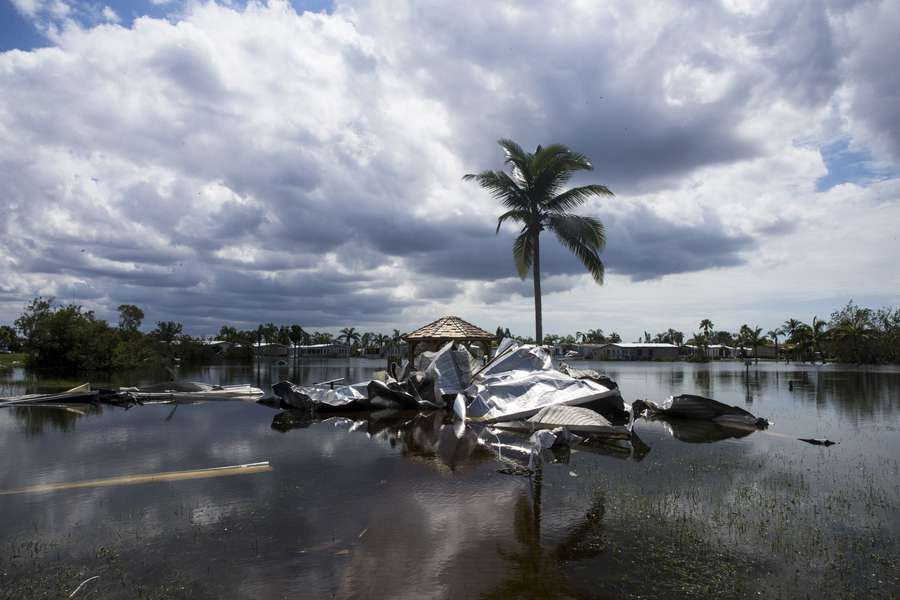Police probe nursing home deaths after Irma cut power