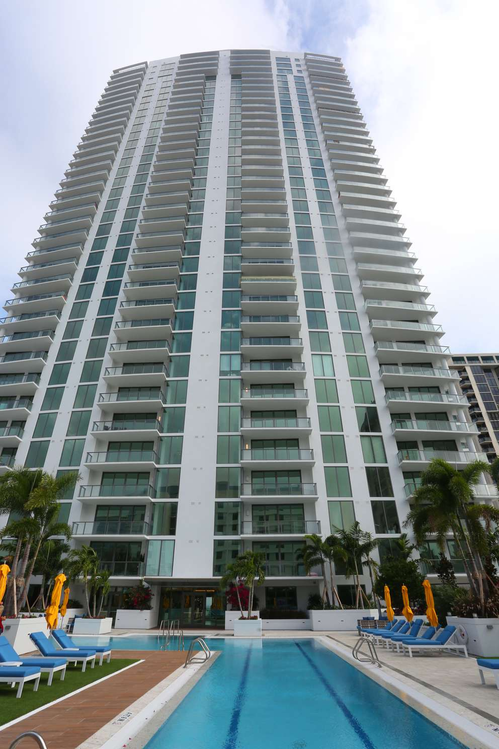A buyer from the Cayman Islands paid $910,700 for a condo in ONE St. Petersburg. [SCOTT KEELER | Times] [SCOTT KEELER | Times]