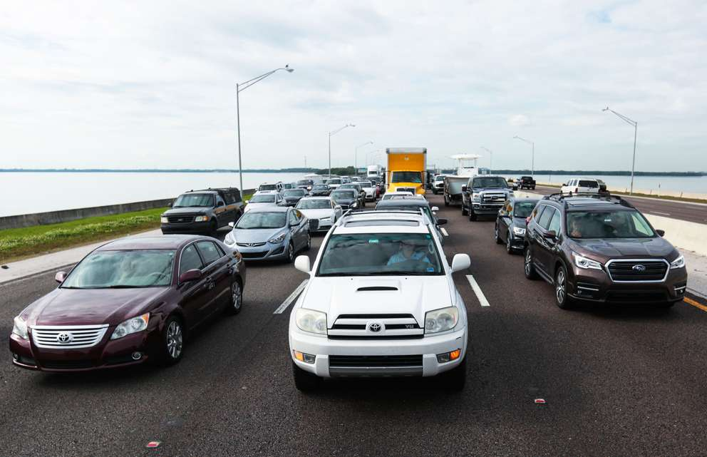 Cars at a full stop on the Howard Frankland Bridge closed lanes in January. [Times 2018]