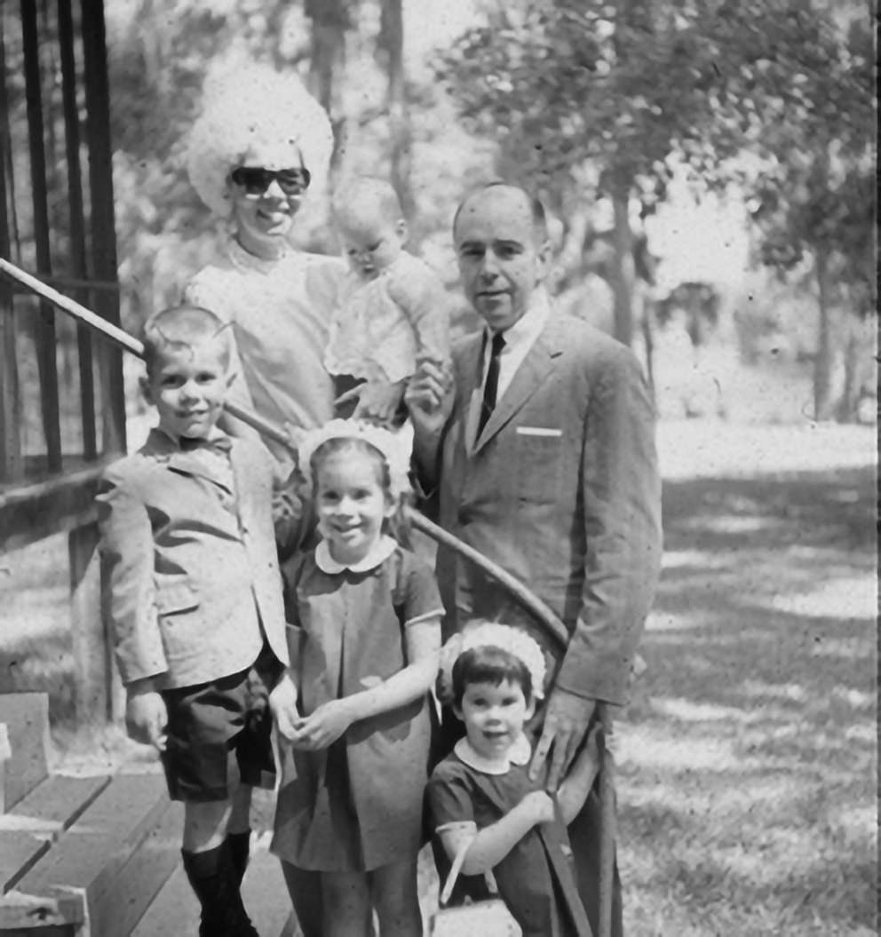The Dawson family at Easter at their cabin on Rainbow River. Pictured are JoAnn and Dr. Peter Dawson with their children, Mark, Anne, Kelly and baby Cary. (Image courtesy The Dawson Academy)